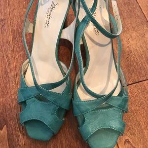 Vintage inspired aqua heels
